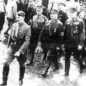 hitler-roehm-kiel-brownshirts-1933